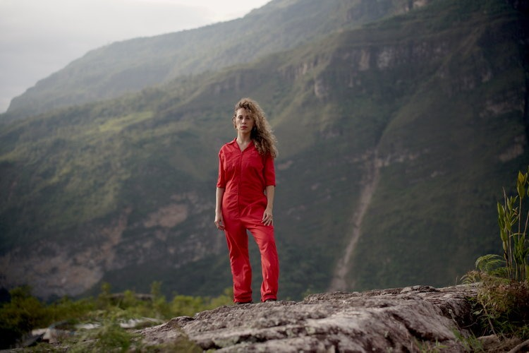 anais blondet on top of a mountain