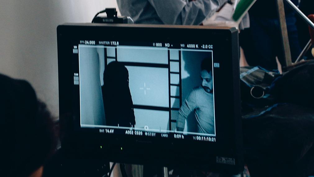 video screen recording a set