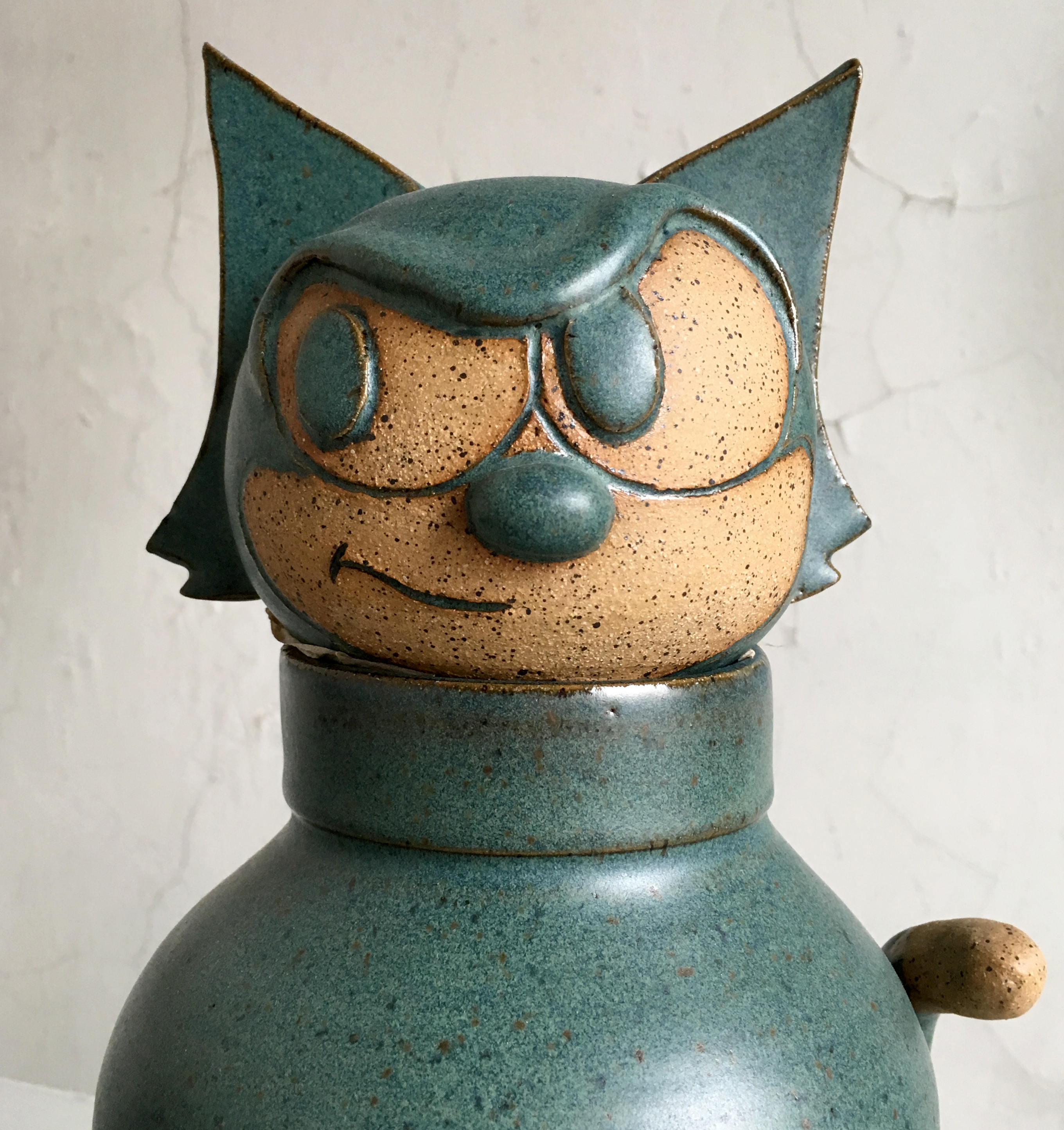 "An image of Tintin-inspired ceramics made by Phil Scheuer<span class=""redactor-invisible-space"">.</span>"